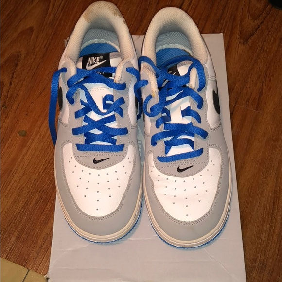 Nike Air forces size 3 in kids